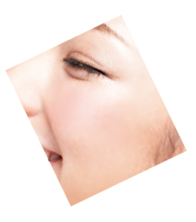 黒を使わないアイメイクと「匂わせる程度」のチークがピュア顔の秘訣!