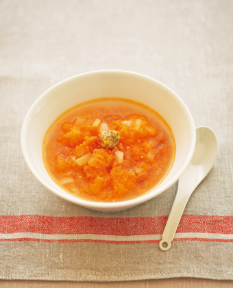 にんじん&玉ねぎのソーセージ入りスープ