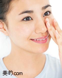 鼻の毛穴&角栓ケアに洗顔ブラシを使って