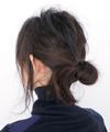 【2】ざっくりスタイルな、ミディアム簡単お団子ヘア