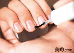 きれいに見せる爪の整え方をマスター
