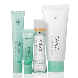 ファンケル|FDR (右)AC 洗顔クリーム(中右)アクネケア 化粧液(中左)アクネケア エッセンス(左)アクネケア ジェル乳液