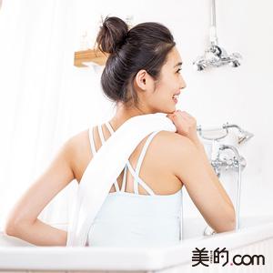 背中のお手入れはお風呂でするのが◎!