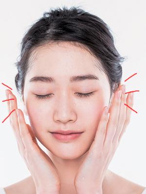最大限に効果を引き出す化粧水テクニック