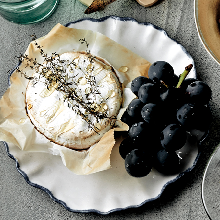 ブドウと焼きカマンベール