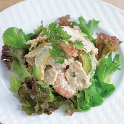 食べる美容液アボカドとコラボ「レンコン・エビ・アボカドの松の実ソース和え」