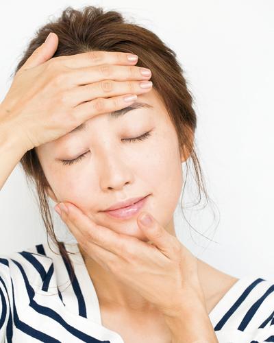 美しすぎる40代!神埼恵さんおすすめ基礎化粧品&朝スキンケア方法