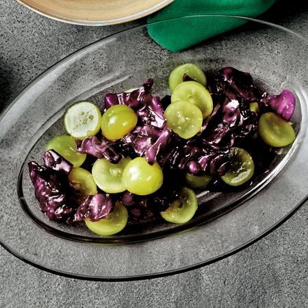 マスカットと紫キャベツのサラダしょうが風味