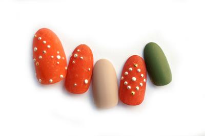 オレンジ×緑で作る流行のテラコッタカラー