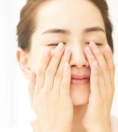 化粧水→乳液→化粧水の挟み塗りでシワ対策