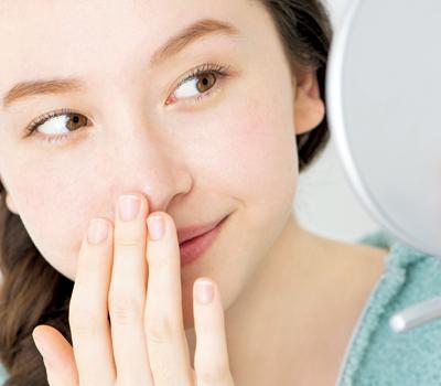 化粧水パック方法で鼻の毛穴対策