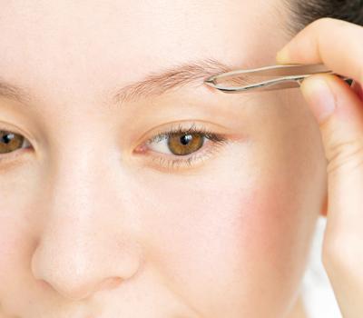 美人な眉毛を作る整え方のコツ