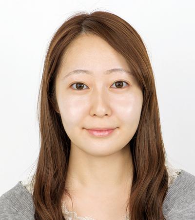 肌の赤みやニキビ痕をカバーするメイクテクニック