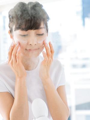 毛穴を撃退するスチーマー美容方法