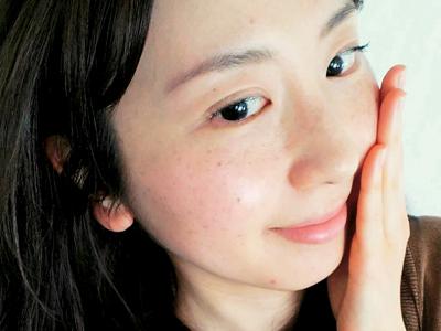 不要な角質を取る化粧水で余計な皮脂をオフ! 肌のごわつきを改善