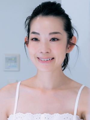 深澤亜希さんは「あいうえお体操」で小顔キープ!