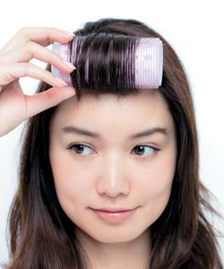 シースルー前髪を作るカーラーの使い方とワックスの付け方