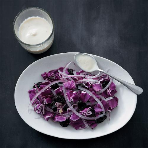鉄分たっぷりレーズン×紫キャベツのサラダ