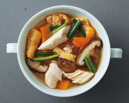 鶏ささ身と油揚げのピリ辛葛切りスープ