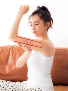 モデルが実践!なめらかで引き締まった二の腕の作り方