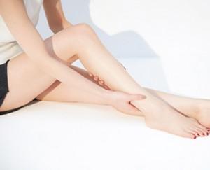 人気モデル・泉里香さんのボディオイルマッサージ方法