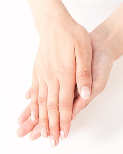 肌の乾燥がひどいときは手のひらオイルでケア