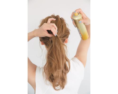 うねりロングからのくずしまとめ髪アレンジ