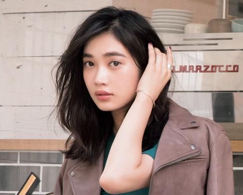 太眉の描き方応用編:マスカラを使って毛流れを強調!