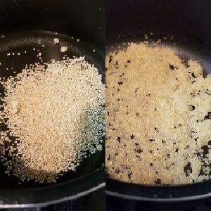 (左)茹でる前、(右)茹で上がり