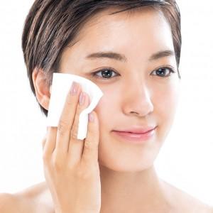 化粧水の正しいつけ方知ってる?