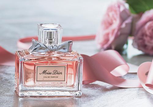 メンズにも愛され、女子受けもバッチリ!愛のように香る「ディオール」の香水