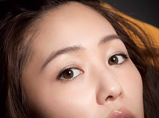 色っぽ系細めフェミニン眉はストレートシルエットを意識して大人見せ!