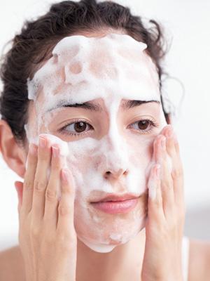 毛穴の奥まですっきりの洗顔方法