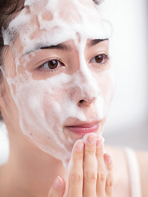 【1】基本のキ!毛穴の奥まで肌汚れを落とす、洗顔の仕方