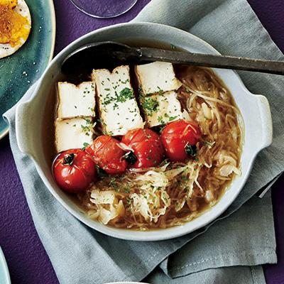 ザワークラウト&トマト湯豆腐