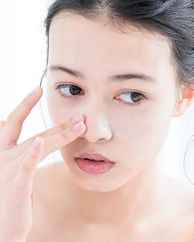 肌の乾燥がひどく皮がめくれる…お風呂でできる保湿対策