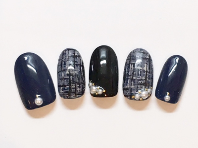 黒ネイル12選|黒×赤、黒×ピンク、黒×白、黒フレンチなどセルフ