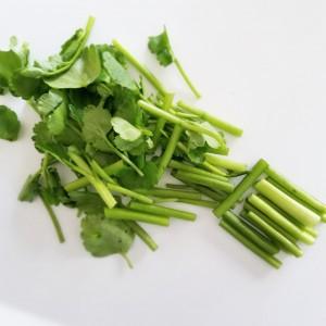 食物繊維たっぷり!セリと切り干し大根、日向夏のサラダ