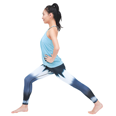 前ももや体幹を鍛えるスクワット&下半身ストレッチ