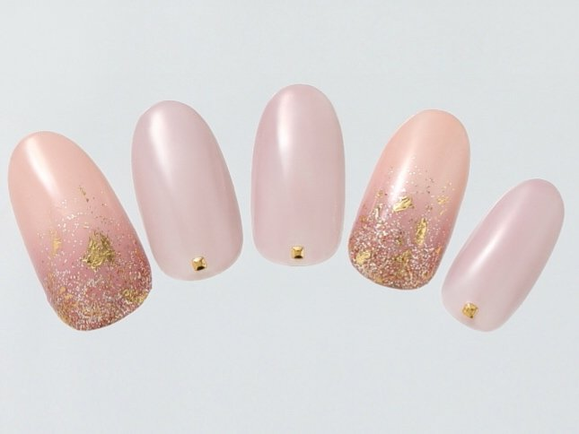 ラメグラデーションネイル【12選】|ピンクや白のシンプルな