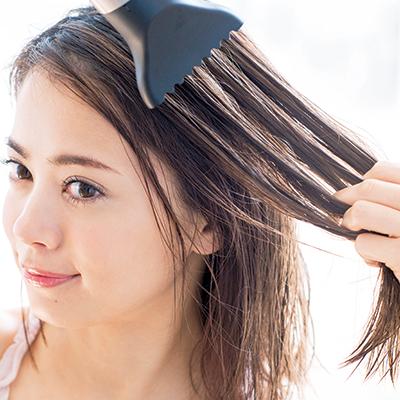 スルツヤ髪になるドライヤーとブラシの【使い方】