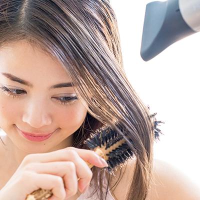 うねる髪の原因と正しい乾かし方