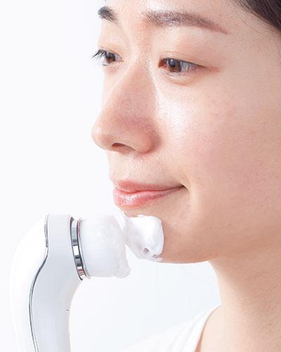 洗顔ブラシで黒毛穴を効率よくケア