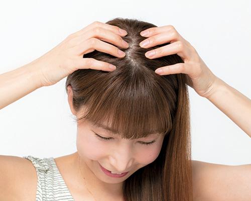 髪の毛や頭皮の日焼けはオイルで頭皮に潤い&乾燥を防止