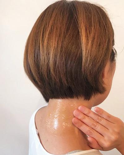 ヘア&メイクアップアーティスト・レイナさんおすすめ! 首の後ろの日焼けレスキューケア