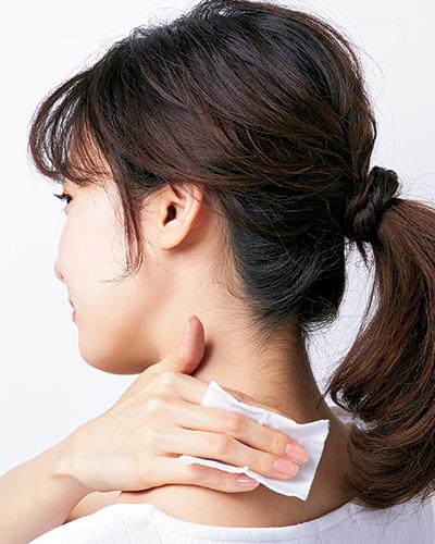 うっかり焼けを防ぐ!首や手足の日焼け対策