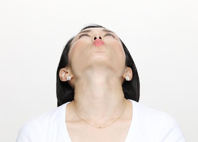簡単!顔痩せ効果抜群の筋トレをインストラクターが伝授