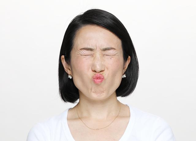 顔全体を引き上げる簡単エクササイズ