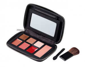 makeup-pallette-with-brushes_x01