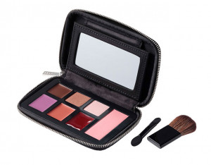 makeup-pallette-with-brushes_x02